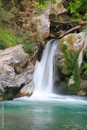 Cascata laghetto di san benedetto subiaco roma for Cascata laghetto