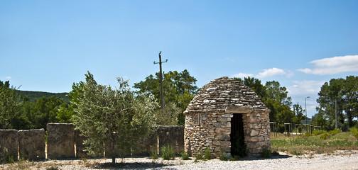 Hutte en pierre en Provence