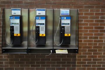 Téléphones.
