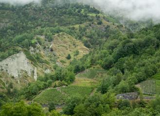 Montagne et vallée vers Zermatt