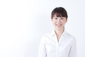 ビジネス・女性・正面・笑顔