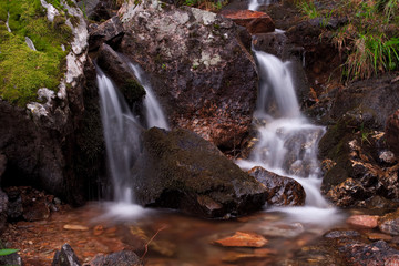 Bachlauf Wasserfall Bach © Matthias Buehner