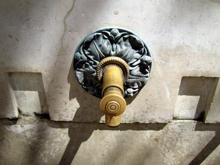 Aluminium Prints Fontaine Robinet de fontaine