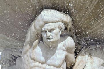 Brunnenfigur Atlant
