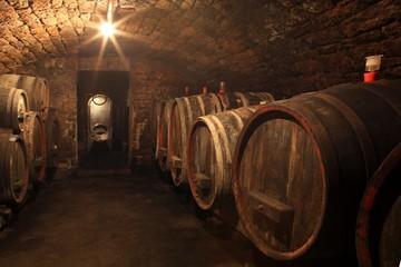 Wall Mural - Alter Weinkeller Rotwein im Barrique Faß Holzfass
