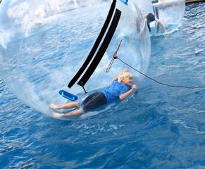 jeu d'eau, dans une bulle d'air