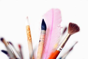 kreatives Pinselset mit Schreibfeder
