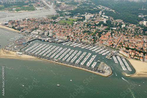 Vue a rienne du port de plaisance d 39 arcachon gironde 33 photo libre de droits sur la banque d - Restaurant arcachon port de plaisance ...
