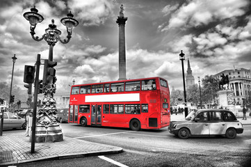 Canvas Prints London red bus traffic à londres