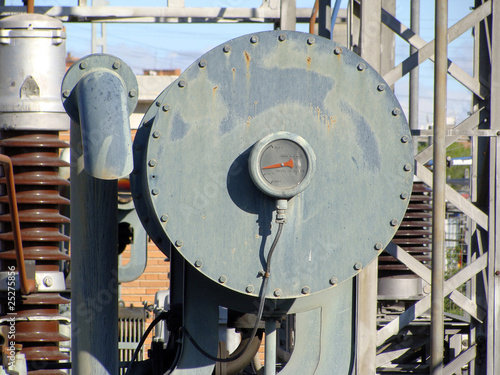 Deposito de aceite de transformador electrico fotos de - Transformador electrico precio ...