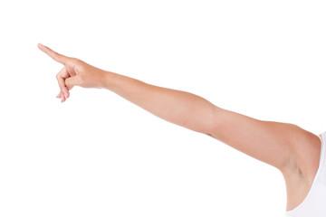 Nackter Arm zeigt nach oben