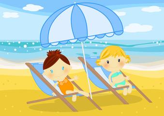 bambine prendono il sole in sdraio