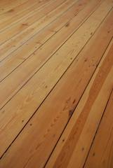 Holzdielen als Fussboden
