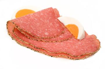 Salami mit Pfefferkruste