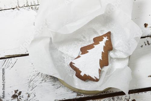 keks im backpapier stockfotos und lizenzfreie bilder auf bild 25714099. Black Bedroom Furniture Sets. Home Design Ideas