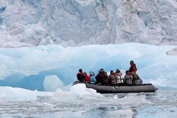 Canvas Prints Arctic zodiac_cruise_glacier_1103