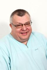 Älterer Mann Zahnarzt Freude kurz vor der Rente