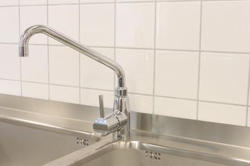 Wasserhahn in der Küche