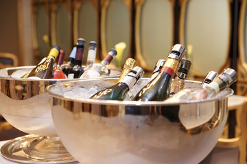 Bowls with iced champagne
