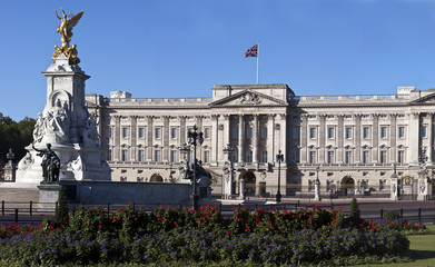 Victoria Memorial and Buckingham Palace 2