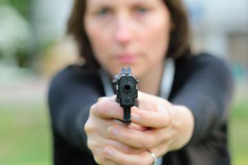 se défendre avec une arme à feu