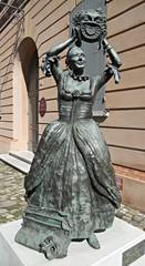 Statua attrice -teatro petrella - longiano
