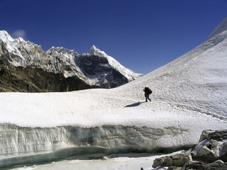Wall Mural - Crossing a glacier atop the Cho La Pass in the Himalaya, Nepal.