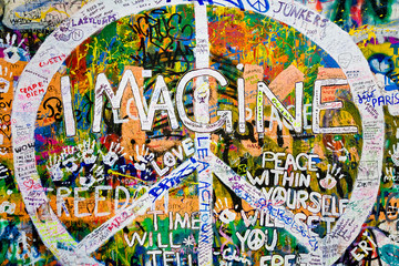 Muro de John Lennon (Praga) - Simbolo Paz (Toma 3)