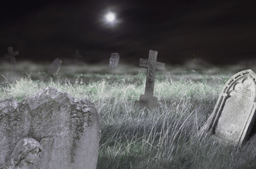 Foto op Textielframe Begraafplaats Scary cemetery at night