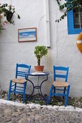 Niebieski stolik kawiarniany