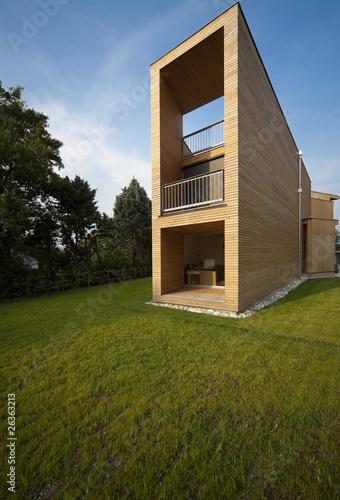 Interno esterno di una bella casa moderna in legno for Esterno casa moderna