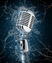 Microphone in Water