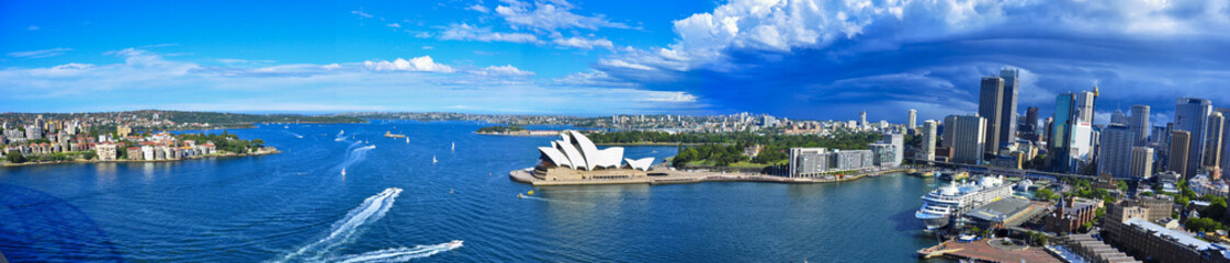 Photo sur Plexiglas Sydney Panorama of Sydney Harbor. Sydney, Australia