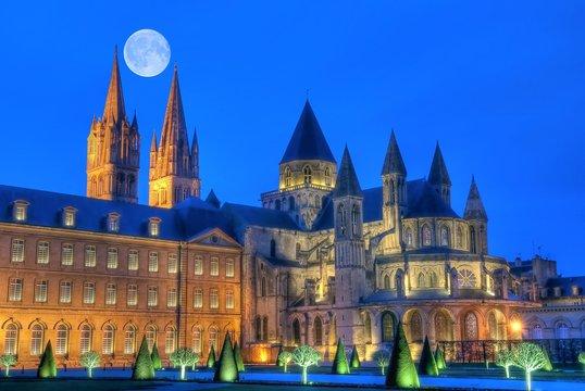 Pleine lune sur l'Abbaye aux Hommes