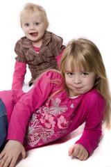 zwei Mädchen 211010-1