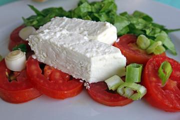 Griechischer Schafskäse auf Tomaten