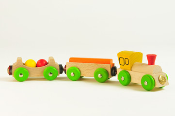 Zug aus Holz für Kinder - Kinderspielzeug aus Holz