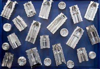 Gussformen für Kunststoffflaschen