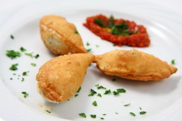 bocconcini di formaggio con salsa piccante