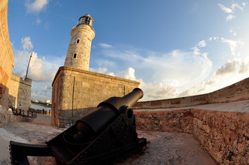 lighthouse and cannon in habana cuba