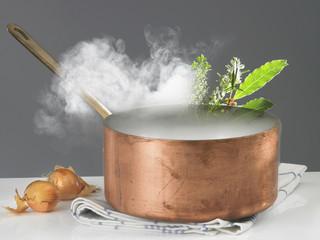 Casserole en cuivre et vapeur