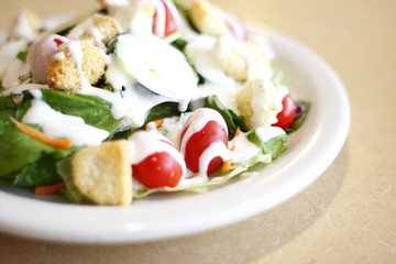 Garden salad with ranch dressing