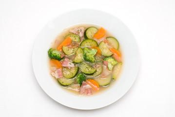 ベーコンとズッキーニのスープ
