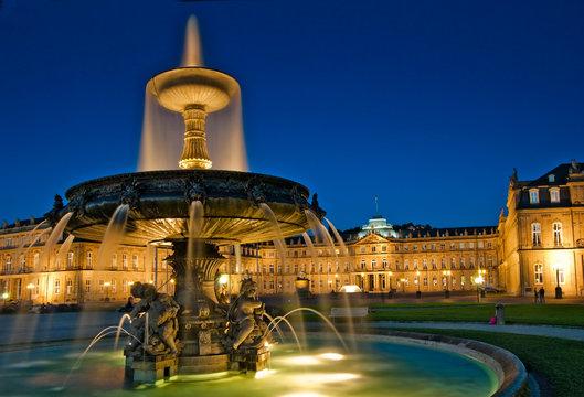 Neues Schloss Stuttgart Abenddämmerung