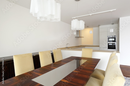 Interno di sala da pranzo moderna con cucina aperta adiacente immagini e fotografie royalty - Sala pranzo moderna ...