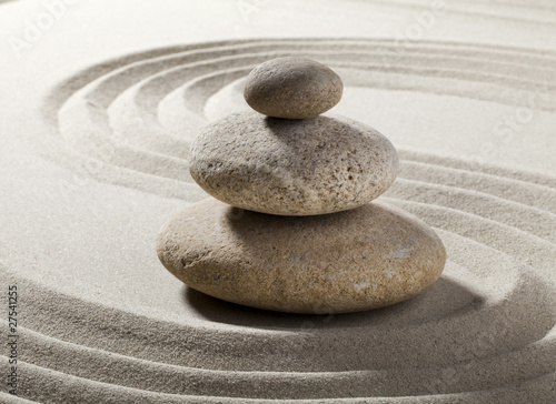 jardin zen avec sable et galets photo libre de droits sur la banque d 39 images. Black Bedroom Furniture Sets. Home Design Ideas