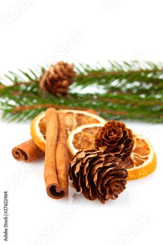 weihnachtsdeko gew rze zimt orange tannenzapfen. Black Bedroom Furniture Sets. Home Design Ideas