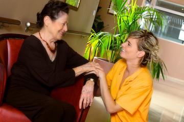 services d'assistance pour les personnes âgées