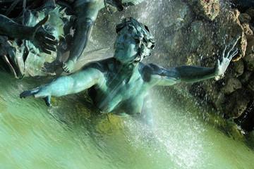 In de dag Fontaine Bordeaux Quinconces monument Girondins fontaine