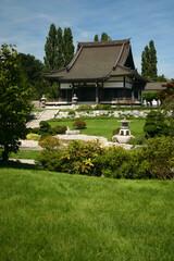 japanischer Garten mit Tempelanlage in Duesseldorf